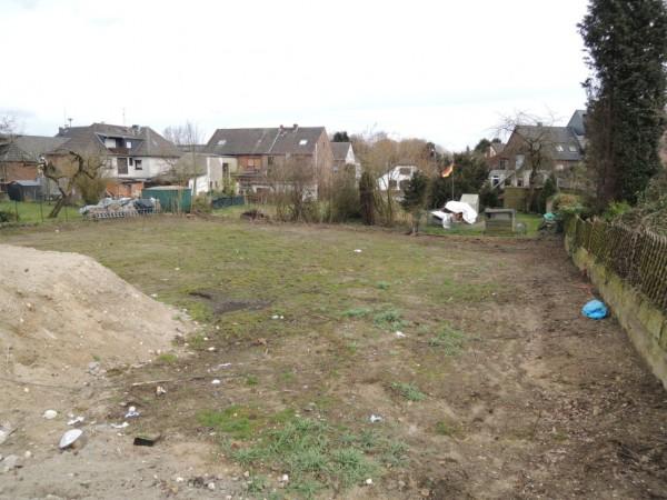 Grundstück für EFH – bebaubar nach § 34 – voll erschlossen – mit Baugenehmigung