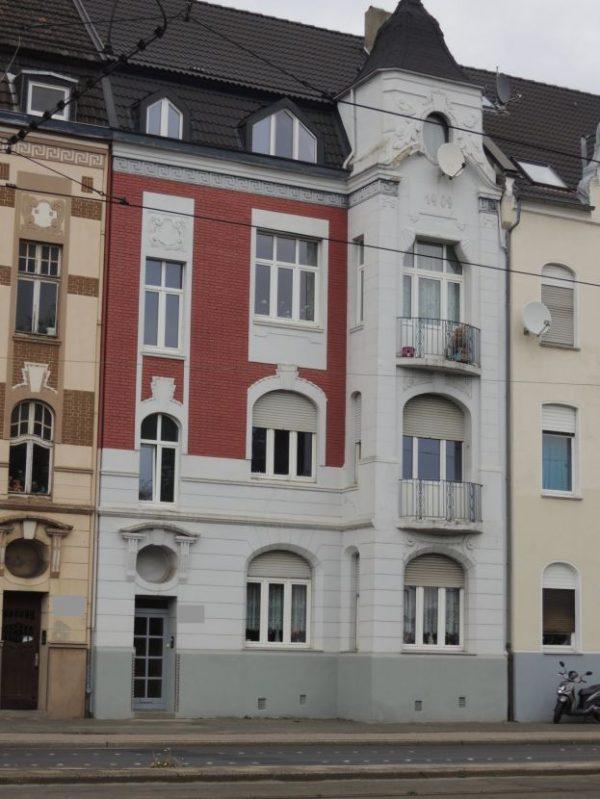RESERVIERT!!! Gepflegtes, saniertes Mehrfamilienhaus in Krefeld Nähe Stadtmitte