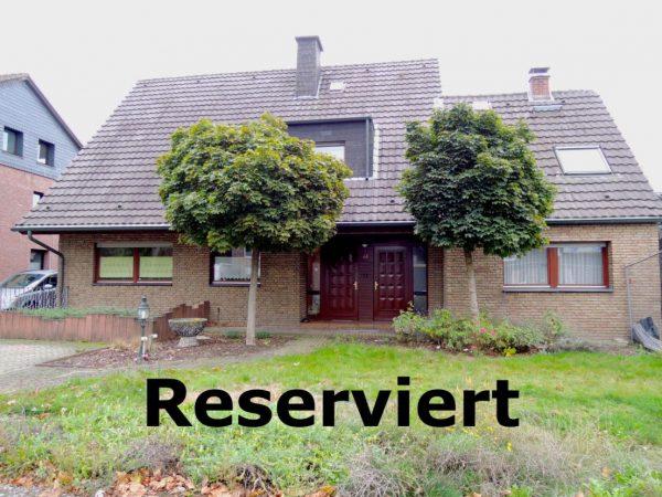 +RESERVIERT+ Zweifamilienhaus / Mehrgenerationshaus auf schönem 1.500 qm Grundstück in Rheinberg-Orsoy